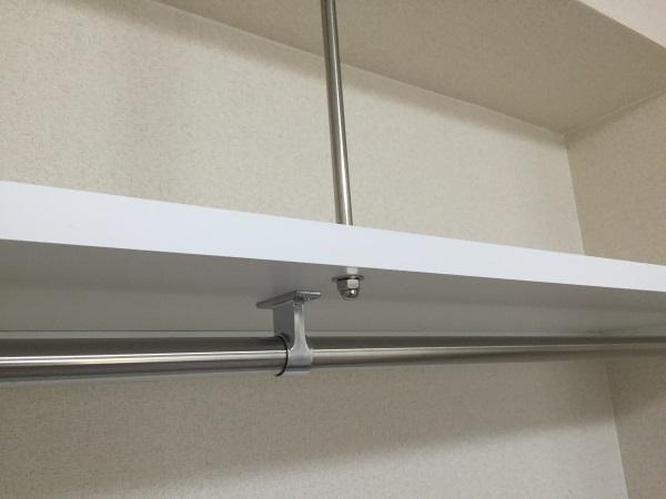 棚板補強金具