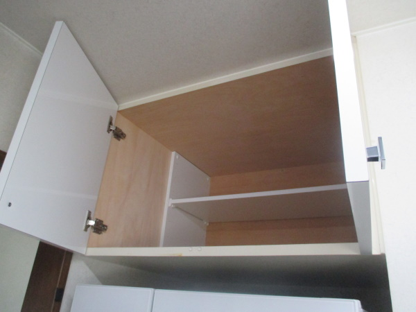 4施工後冷蔵庫上吊戸