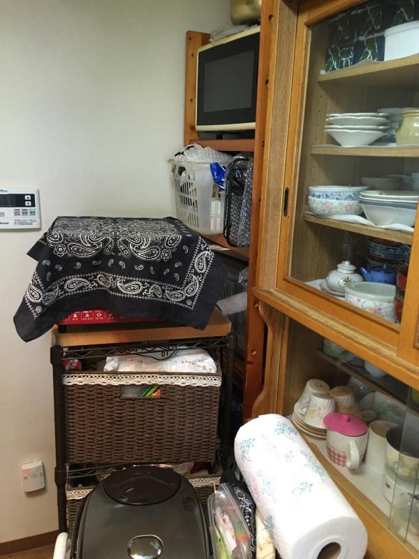 施工前既製品食器棚
