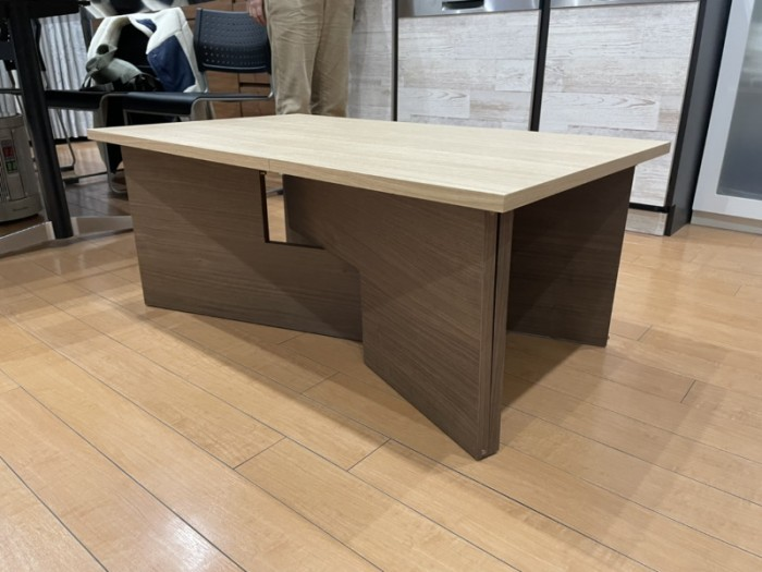 横テーブル低いテーブル